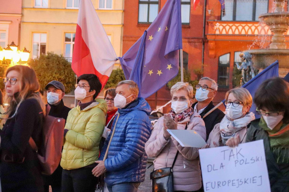 &bdquoTak dla Polski europejskiej&rdquo, &bdquoBez Unii czeka nas reżim&rdquo. W  Chojnicach również odbyła się prounijna demonstracja