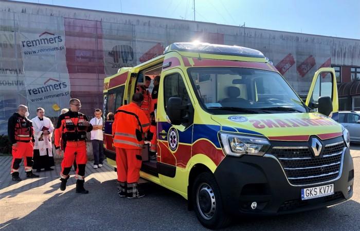 Zespół Ratownictwa Medycznego podstacji w Starej Kiszewie w powiecie kościerskim ma do dyspozycji nowy ambulans FOTO